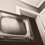 Uchwyty uchylne do telewizorów